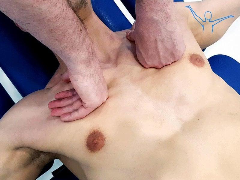Masaż powięziowy mięśnia piersiowego